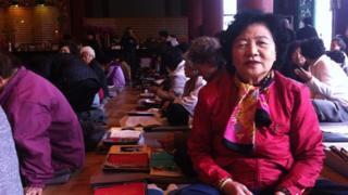Grandmother, Eun Ju-sung at the temple