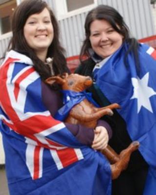 Aussie fans Nina Finnegan and Jaimee Owen