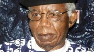 Chinua Achebe on a visit to Nigeria in 2009