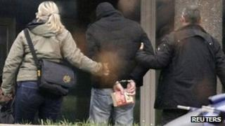 Suspected accomplice of neo-Nazi cell arrives in Karlsruhe. 14 Nov 2011