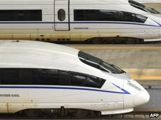 Two CRH380BL high speed trains sitting in the Beijing South Railway Station, 11 August 2011