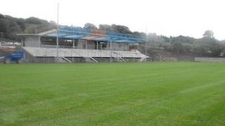 Stadiwm newydd Bangor