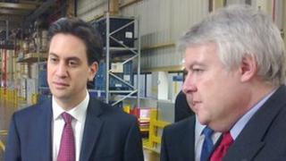 Ed Miliband a Carwyn Jones