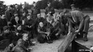 An outdoor education for Home Guardsmen at the War Office Training School in Osterley Park, 21st September 1940. Pic: Zoltan Glass/Picture Post/Hulton Archive/Getty Images