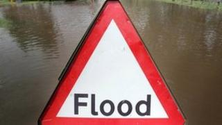 A flood sign in an Upton upon Severn street in June 2007