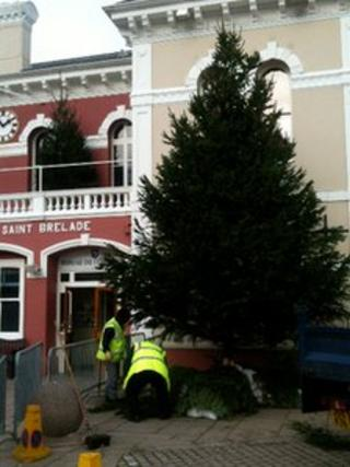 Christmas Tree in St Aubin