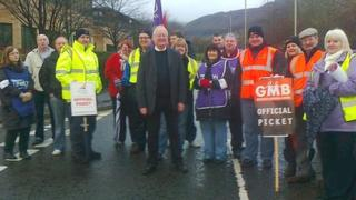 Education Minister Leighton Andrews joined picket lines in his Rhondda constituency