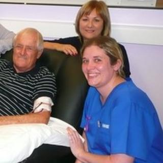 Ray Vincent with his wife Laurie and Royal Berkshire Hospital nurse Angela Clarke