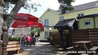 Llanina Arms Hotel