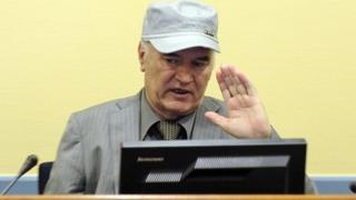 Gen Ratko Mladic in The Hague (29 Nov 2011)