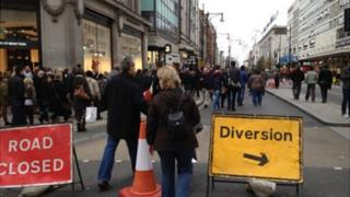 Diversion sign on Oxford Street