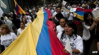 Colombians march against the Farc in Bogota. Photo: 6 December 2011