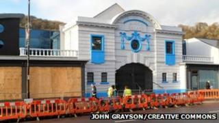 Risca Palace facade - courtesy John Grayson/Creative Commons