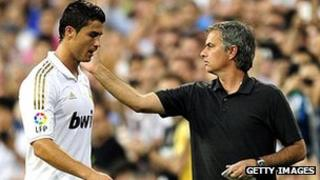 Real Madrid manager Jose Mourinho (r) with star player Cristiano Ronaldo