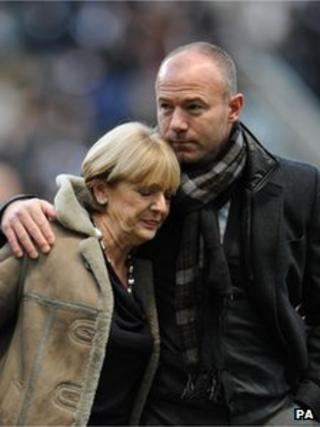 Alan Shearer comforts Gary Speed's mother