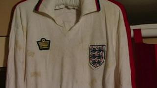 Viv Anderson's shirt