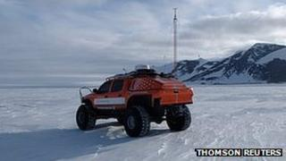 Team vehicle for the Thomson Reuters Eikon journey