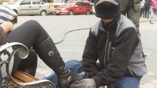 Shoeshiner in La Paz