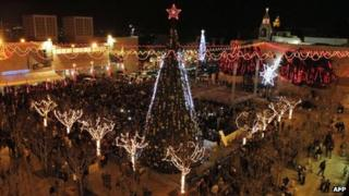 Christmas tree in Manger Square in Bethlehem (15 December)