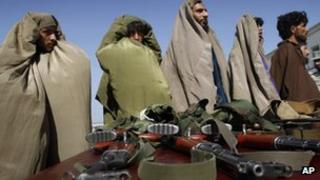 Arrested Taliban suspects in Jalalabad, Nangarhar province (July 2011)