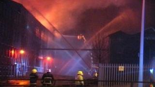 Mill fire in Bradford, 28/12/11