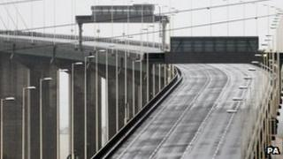 QEII Bridge closed