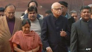 BJP leaders after meeting the president on 5 January 2012