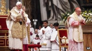 Pope Benedict leads Mass at the Vatican (6 January)