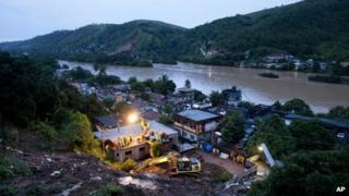 Collapsed hillside in Jamapara, Brazil