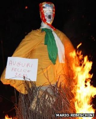 Effigy of Silvio Berlusconi burned in Ozzano