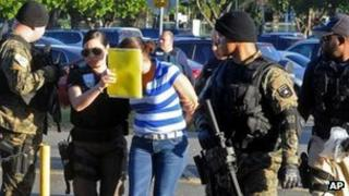 Woman arrested in San Juan, Puerto Rico in connection with identity fraud case, 11 January 2012