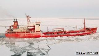 Russian fuel tanker Renda on its way to western Alaskan town of Nome 9 January 2012