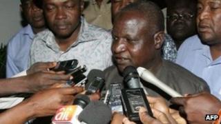 Nigeria Labour Congress president Abdulwaheed Omar talks to media in Abuja. Photo: 15 January 2012