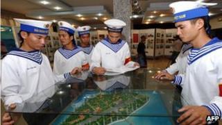 Vietnamese sailors