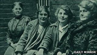 L-R Hetty Wheeldon, Winnie Mason, Alice Wheeldon