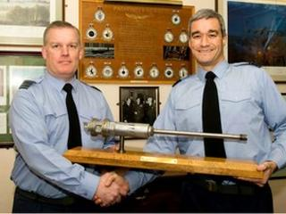 Wing Cdr Robert Cook (left) and Wing Cdr Mike Brown