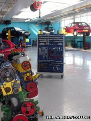 Motor vehicle workshop