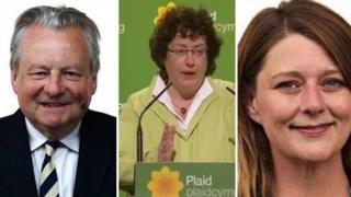 Ymgeiswyr am arweinyddiaeth Plaid Cymru yw Dafydd Elis Thomas, Elin Jones a Leanne Wood