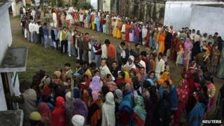 Voters in Haraiya, Uttar Pradesh, 8 Feb 2012