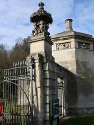 Basildon Park entrance gates