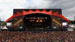 Reading Festival 2011 main stage