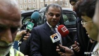 Mansoor Ijaz arrives at the Pakistani High Commission in London
