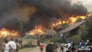 Fire at Burmese refugee camp in Thailand
