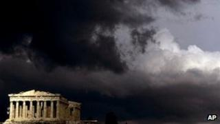 Dark rain clouds over the Parthenon in Athens (13 March 2006)
