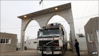 Library picture of lorry crossing out of Gaza Strip (March 2011)
