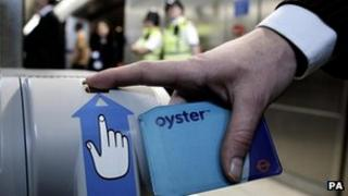 Oyster card in use