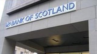 New logo on Royal Mile Bank of Scotland branch