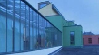 Ysgol Yr Hendre, Caernarfon
