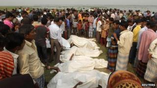 Bodies on the banks of the river Meghna