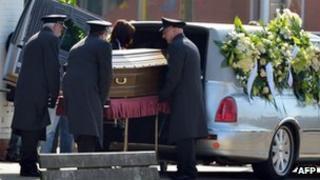 Funeral for Veerle Vanheukelom (20 Mar 2012)